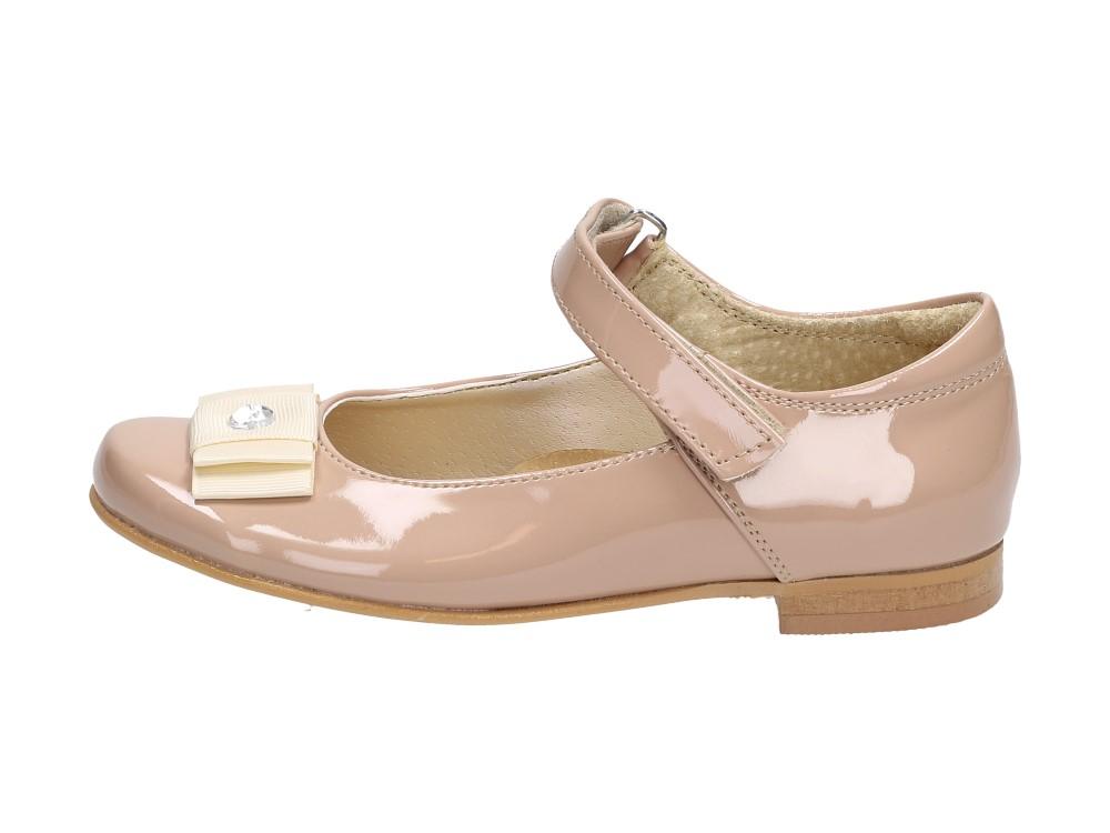 Beżowe pantofle, balerinki lakierowane KMK 130
