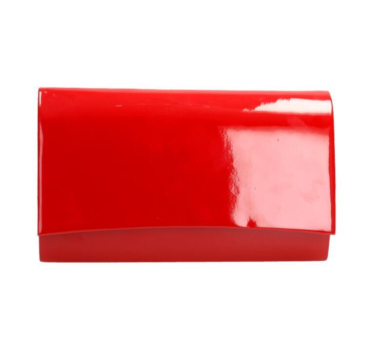 9e89d24100217 Czerwona